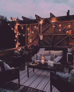 31 backyard patio ideas that will amaze & inspire you pictures of patios 20 Backyard Patio, Backyard Landscaping, Backyard Seating, Pergola Patio, Cozy Patio, Outdoor Seating, Landscaping Ideas, Patio Decks, Backyard Privacy