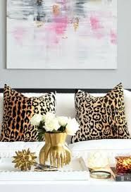 23 Girly Chic Home Decor Ideas for a Ladylike Home - abstract pink artwork, glam. 23 Girly Chic Home Decor Ideas for a Ladylike Home - abstract pink artwork, glam leopard print pillow covers, chic gold decorative objects + pretty white flowers. Funky Home Decor, Unique Home Decor, Cheap Home Decor, Diy Home Decor, Palette Pastel, Living Room Decor, Bedroom Decor, Bedroom Ideas, Living Rooms