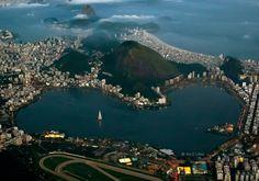 Rio de Janeiro à noite - Lagoa Rodrigo de Freitas