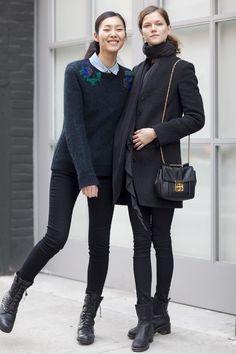 Kasia Struss (right)