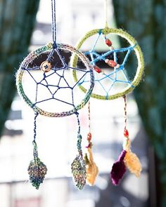 Free knitting pattern Dream a Little Dream dream catcher by Katie Mack and more last minute gift knitting patterns Knitting Patterns Free, Free Knitting, Baby Knitting, Crochet Patterns, Free Pattern, Crochet Appliques, Loom Knitting, Knitting Needles, Knitting Projects