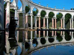 Château de Versailles, reflet sur le Bosquet de la Colonnade