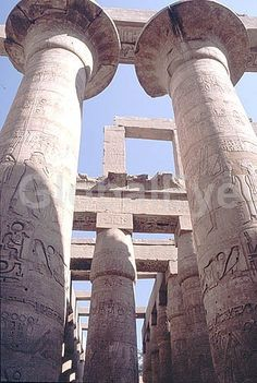 Great Temple of Amun, Karnak, Egypt. Karnak, built it stages from the time of Sesostris I (12th Dynasty) to Nectanebo I (30th Dynasty) is the greatest monument to pharaonic Egypt. In its hypostyle hall are 134 columns each more than 19m (65 ft) tall. It requires six men with outstretche. Stock Photo By Tyrrell   Mendis