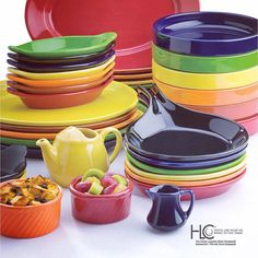Color-glazed #bakeware and #tabletop accessories elevate form and function to the level of synchronized beauty, as Hall China's Colorations collection pairs perfectly with Homer Laughlin's Colorations and #Fiesta. #HallChina #HomerLaughlin #madeinamerica #madeintheusa #restaurants #hotels #catering #banquets #chef