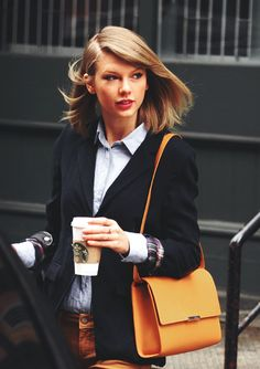 Taylor Swift. rocking the shoulder length hair and a nice outfit