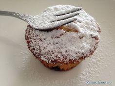 Aprende a preparar muffins de naranja caseros con esta rica y fácil receta. Alistar todos los ingredientes  Batir la mantequilla con el azúcar, la ralladura de la...