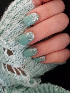 Turquoise nail art!
