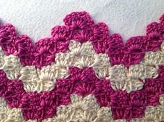 Crochet Afghans Patterns This Vintage Rippling Blocks pattern works up very quickly using your favorite yarn and hook. - This Vintage Rippling Blocks pattern works up very quickly using your favorite yarn and hook. Stitch Crochet, Bag Crochet, Crochet Afgans, Filet Crochet, Crochet Crafts, Crochet Projects, Crotchet, Learn Crochet, Crochet Ideas