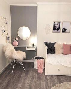 Imagen de bedroom, decor, and house Cute Room Ideas, Cute Room Decor, Teen Room Decor, Bedroom Decor, Aesthetic Room Decor, Girl Bedroom Designs, Small Room Bedroom, My New Room, Room Inspiration
