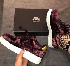 super popular 10b95 7f886 Chaussures Nike, Chaussures Confortables, Chaussures Femme, Sandales,  Chaussure Tendance, Chaussure Mode