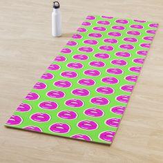 Kiss Me (Green, Vertical Pattern) Yoga Mat