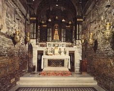 The Holy House of Loreto - Angels moved the house that Jesus and Mary lived in multiple times to protect it. It now rests in Loreto, Italy! Life Is Beautiful, Beautiful Places, Italy Images, Best Of Italy, Abbey Road, Roman Catholic, Our Lady, Pilgrimage, Places Ive Been