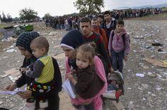 Starcia uchodźców z policją na granicy Węgier. Użyto gazu i armatek wodnych