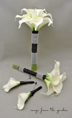 Calla Lily Bridesmaids Bouquets White Black. This is offically what I want for my wedding