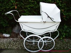 French dolls pram