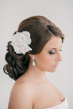 {Bridal hair} Wedding Hairstyles ~ Updo and curled hair. Might want half up and half down, but thought this would be pretty with a smaller flower. Hair Design For Wedding, Wedding Hair And Makeup, Wedding Beauty, Bridal Hair, Hair Makeup, Wedding Updo, Dream Wedding, Wedding Ideas, Girly Hairstyles