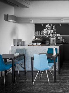 Xooon designmeubelen - Eetkamerstoel Artella blauw. Vraag hier het gratis lookbook van Xooon aan!