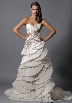 Gerade am Hochzeitstag will jede Braut wunderschön aussehen. Dafür ist es wichtig, die Nachteile mit dem Brautkleid zu verstecken und die Vorzüge hervorheben. Wenn es sich bei dem Nachteil um einen Mangel der Sitzfläche handelt, dann gibt es hier die richtigen Tipps.