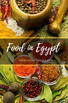 Food in Egypt, Egyptian food. Read here what is the food like in Egypt? What food you should definitely taste in Egypt? What are my favourite foods in Egypt? Healthy Food, Yummy Food, Healthy Recipes, Foul Recipe, Egyptian Food, Evening Snacks, Meat Lovers, Breakfast Dishes, How To Make Bread