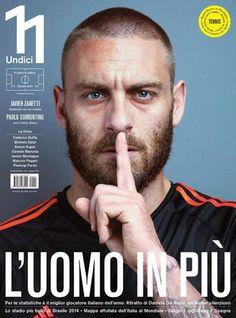 #DeRossi uomo copertina della nuova #RivistaUndici. L'uomo in più, per le statistiche è il miglior giocatore italiano dell'anno. Ritratto di un leader silenzioso... #ASRoma