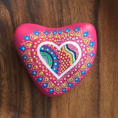 Heart 💖 #fuchsia #love #heart #stonepainting #paintedstones #paintedpebbles #tasboyama #colorlove #design #designedstones #igers #instamood #picoftheday #photooftheday #beautiful_stones #dstone Heart Painting, Pebble Painting, Pebble Art, Stone Painting, Rock Painting, Stone Crafts, Rock Crafts, Arts And Crafts, Diy Crafts