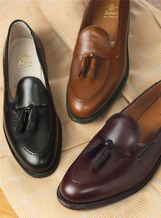 Types Of Shoes Men, Best Shoes For Men, Formal Shoes For Men, Sneakers Fashion Outfits, Mens Fashion Shoes, Mens Dress Loafers, Loafers Men, Mens Business Casual Shoes, Gentlemans Club