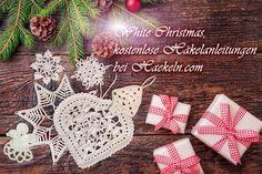 """White Christmas. Dieses Jahr gibt es bei haekeln.com weiße Weihnachten! Unter der Rubrik """"White Christmas"""" finden Sie Fensterdekorationen, Christbaumschmuck, natürlich Filethäkelgardinen und dergleichen mehr. Hier bieten wir Ihnen die Anleitung für eine wunderschöne Fensterdekoration in Form eines nostalgischen, romantischen Herzens, ein unbedingtes """"Muss"""" zum Fest der Liebe. #häkeln #häkelvorlagen #weihnachten #crochet #christmas #patterns #kostenlos #engel #stern #herz #handarbeiten #fest"""