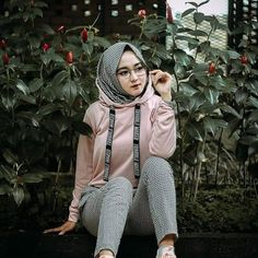 Jilbab Smile: Smile Hijaber is Very Cute Big Fashion, Fashion 2017, Hijab Fashion, Casual Hijab Outfit, Hijab Chic, Beautiful Hijab Girl, Baggy Clothes, Hijabi Girl, Turkish Fashion