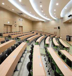 Salas de conferencia y lectura para universidades