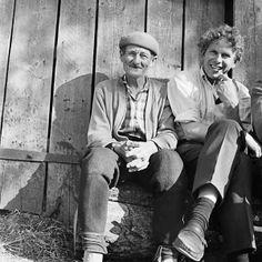 'Artista Stanislovas Riauba com o poeta Kazys Saja' (Foto: Antanas Sutkus)