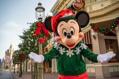 From November 6 through December 30, 2020, you will be able to enjoy festive décor, themed merchandise, seasonal food & beverage offerings and entertainment all across Walt Disney World Resort #Disney #DisneyWorld #holidays #DisneyHolidays #HolidaysatDisney Disney World Park Hours, Disney World News, Disney Parks Blog, Disney World Parks, Disney World Resorts, Disney Vacations, Family Vacations, Disney World Christmas