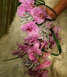 unusual bridal bouquets   Beautiful And Unique Wedding Bouquet   Jules Wedding Ideas