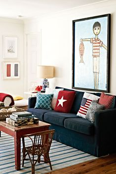 Red, white & blue in a relaxed, stylish beach house