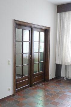 Living room, looking towards the hallway
