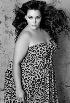 !Curvy! a BBW in leopard never is out of style!!