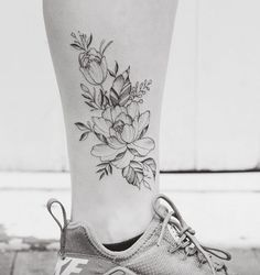 Freehand florals by Tritoan Ly