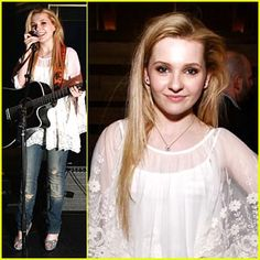 Abigail Breslin (Little Miss Sunshine) - Cute kids (and puppies) should never grow old