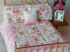 "OH MY GOSH THIS IS GORGOUS!! Dollhouse Miniature 1:12 Reversible Quilt  with 4 Matching Bed Pillows & Decorator Pillow, ""Delaney"" - One Inch Scale"