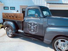 Horse Box Conversion, Brewery Design, Mobile Catering, Beer Shop, Antique Trucks, Mobile Bar, Beer Taps, Mini Trucks, Beer Garden