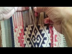 TELAR DE CINTURA (WAIST LOOM) HUAVE, OAXACA - YouTube
