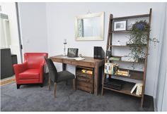 The new desk i ordered for my study <3 Love the wood!