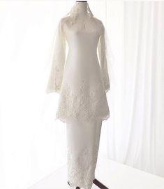 Malay Wedding Dress, Kebaya Wedding, Muslimah Wedding Dress, Muslim Wedding Dresses, Wedding Gowns, Bridesmaid Dresses, Wedding Hijab Styles, Minimal Wedding Dress, Wedding Dress Patterns