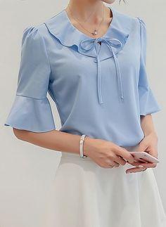 Women korean fashion simple casual (end am) Womens Fashion Casual Summer, Simple Shirts, Casual Chic Style, Ladies Dress Design, Summer Shirts, Blouse Designs, Blouses For Women, Korean Fashion, Chiffon