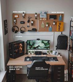 Computer Desk Setup, Gaming Room Setup, Pc Desk, Computer Desks For Home, Workspace Desk, Home Office Setup, Home Office Space, Home Office Design, House Design