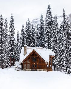 Grace Upon Grace Beautiful Homes, Beautiful Places, Winter Cabin, Winter Scenery, Cabins And Cottages, Winter Beauty, Christmas Aesthetic, Cabin Homes, Cabins In The Woods