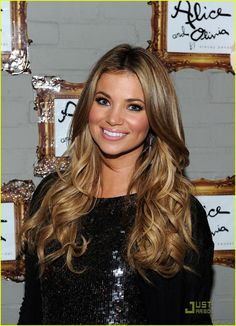 Beautiful hair color. I can see myself going this light over summer.