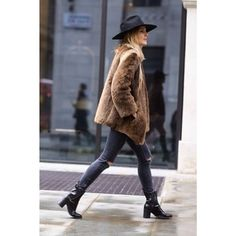 Beaver fur coat, jeans, boots...Yes!