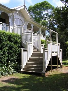 Character Residential with a beautiful front staircase and matching handrails Queenslander House, Weatherboard House, Front Stairs, Entry Stairs, Veranda Railing, Balustrade Design, Stair Plan, River Cottage, Decks And Porches