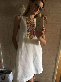 !Вышивка. От А до Я Hand Embroidery Dress, Embroidery Fashion, Simple Dresses, Summer Dresses, Batik Dress, Traditional Fashion, Business Outfits, Ethnic Fashion, Pattern Fashion
