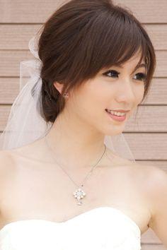 #Bridal #Makeup The modern Chinese bride. Photographer: Zahnage Photography | Model: Huiyi | Stylist: Aki | HMUA: Rezani Ramli